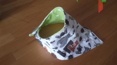 drool catcher with magnetic closure, flannel (green dots/bugs)